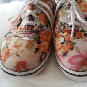 B2G1 Vans Authentic LoPro Floral Coriander Sneaker